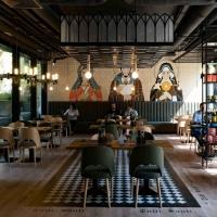 wyko-czenia-wn-trz-restauracji