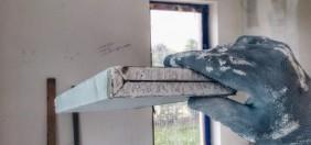 Gięcia arkuszy płyt gipsowo-kartonowych na pół. Remont mieszkania.